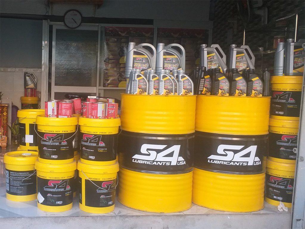 Phân biệt dầu hộp số công nghiệp và dầu cầu (hộp số ô tô)